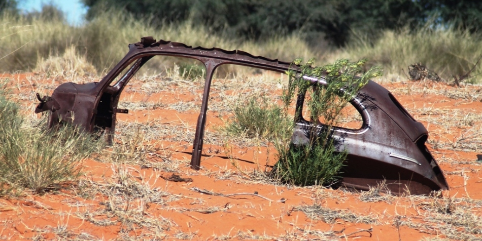A forgotten car in the Kgalagadi, a sign that a beetle probably isn't the best option for the desert!